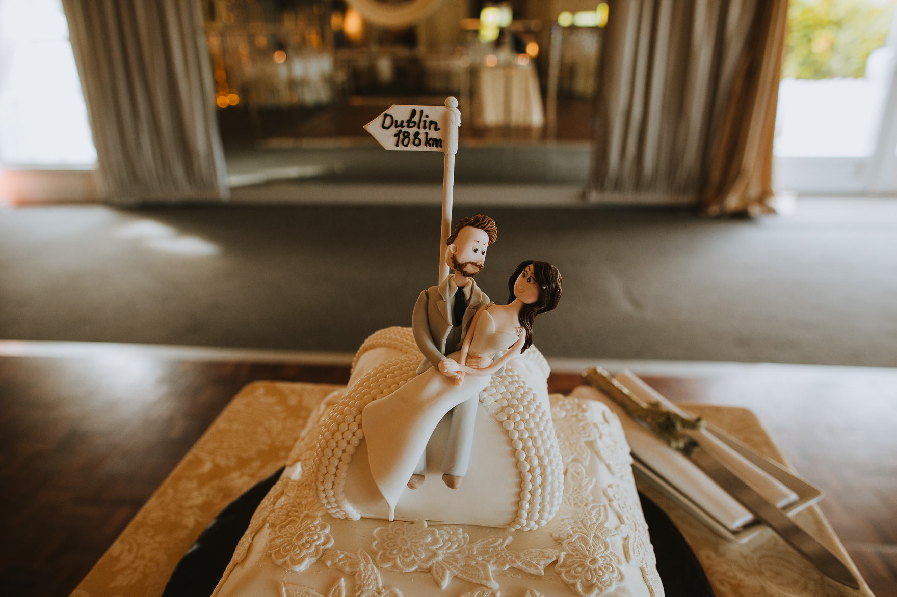 A cake sitting on top of a wooden table